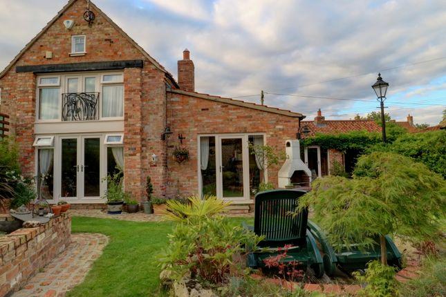 Thumbnail Farmhouse for sale in Spanby, Sleaford