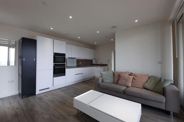 Thumbnail Flat for sale in Moorhen Drive, London