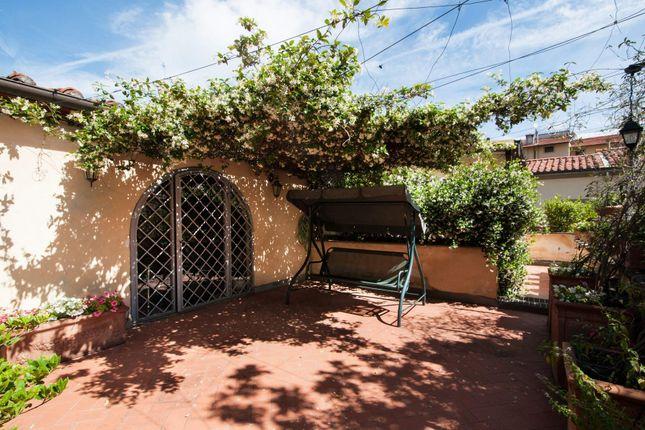5 bed apartment for sale in Piazza S. Francesco, 59100 Prato Po, Italy