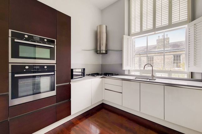 3 bed flat for sale in Boulter House, Shooters Hill, London SE18