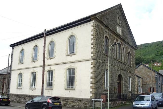 Thumbnail Leisure/hospitality for sale in South Street, Porth