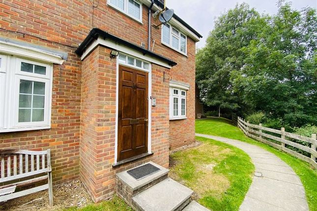 Thumbnail Maisonette to rent in Bramble Close, Stanmore, Middlesex