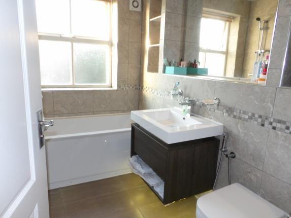 Bathroom of Oak Leaf Drive, Moseley, Birmingham, West Midlands B13