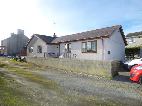 Thumbnail Bungalow for sale in South Stack Road, Holyhead, Sir Ynys Mon
