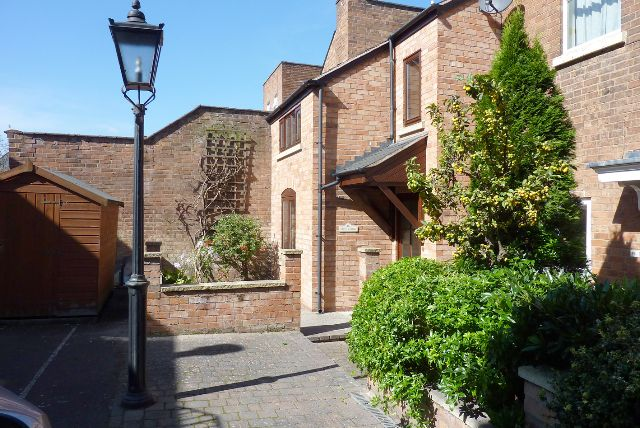 Thumbnail End terrace house to rent in Adelaide Road, Leamington Spa