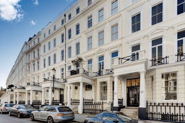 2 bed flat to rent in Somerset Court, Lexham Gardens, Kensington, London