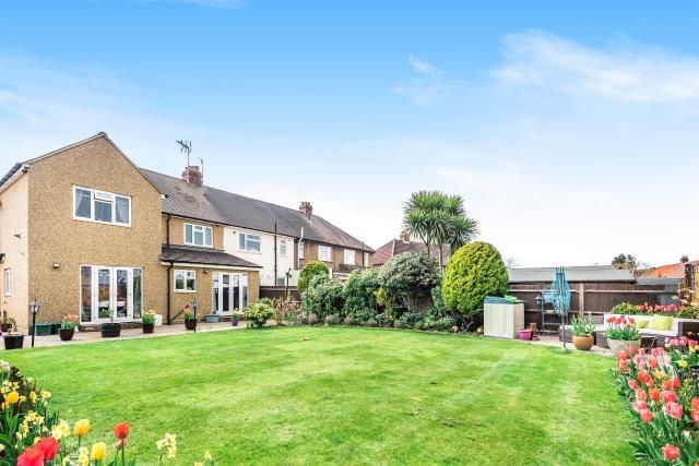 Thumbnail Semi-detached house for sale in Chessington, Surrey