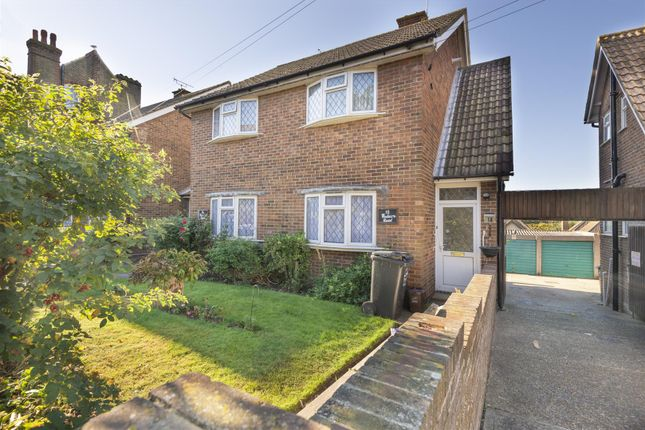 2 bed flat to rent in Madeira Road, Margate CT9