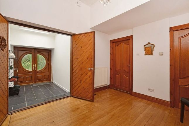 Entrance & Hallway