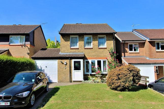 Thumbnail Detached house to rent in Sissinghurst Close, Crawley, West Sussex.