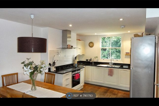 Kitchen / Living Room - Garden Side