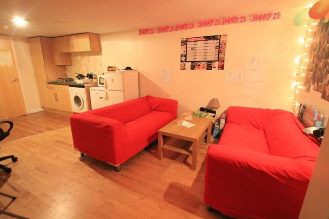 8 bed terraced house to rent in Merthyr Street, Cathays, Cardiff