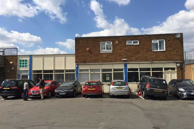 Thumbnail Office to let in New Road, Chingford, London