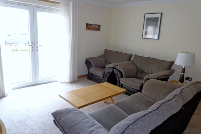 Thumbnail Flat to rent in Leys Park Grove, Dunfermline