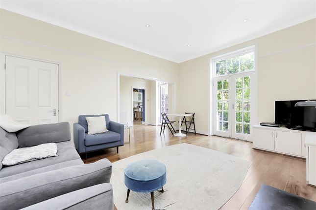 Flat for sale in Hornsey Rise, London