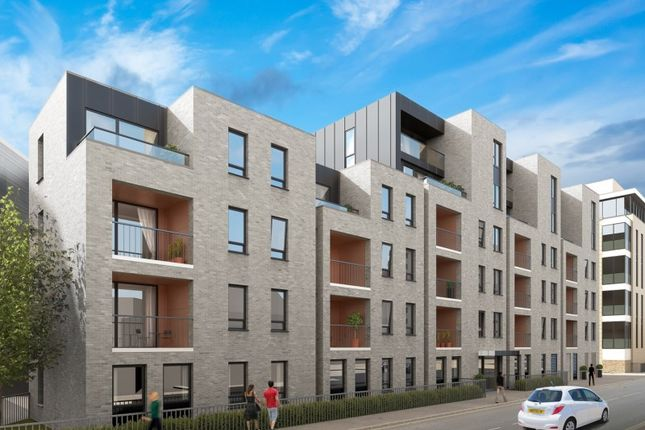 Thumbnail Flat for sale in Woodford Road, Watford, Hertfordshire