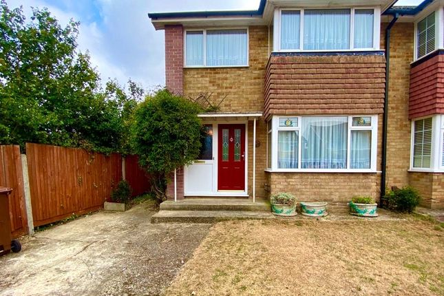 Picture No. 26 of Caliph Close, Riverview Park, Gravesend, Kent DA12