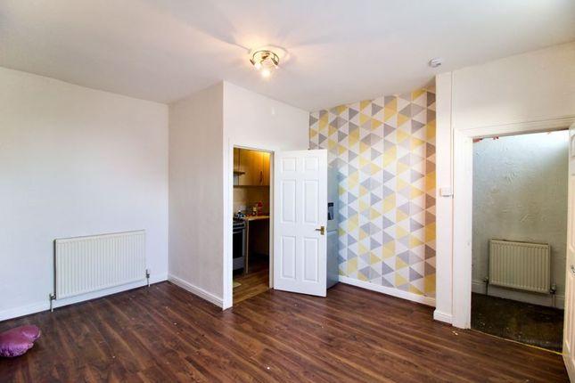 Livingroom1 of North Street, Lockwood, Huddersfield HD1
