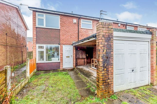 3 bed terraced house to rent in Hampstead Lane, Great Moor, Stockport, Cheshire SK2