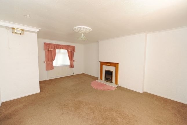 Lounge of Elm Close, Newbold, Chesterfield S41