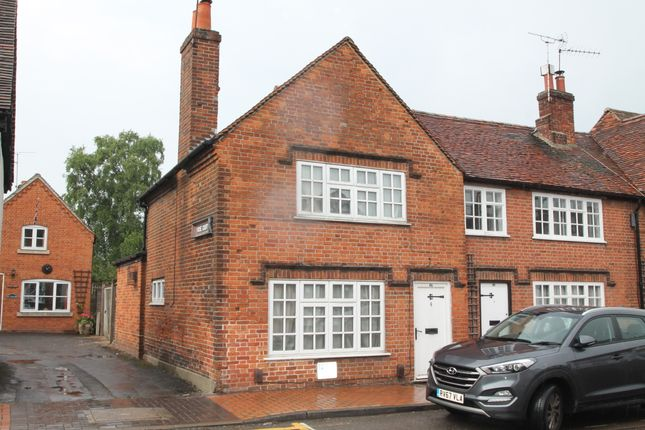 Thumbnail Cottage to rent in Rose Street, Wokingham, Berkshire