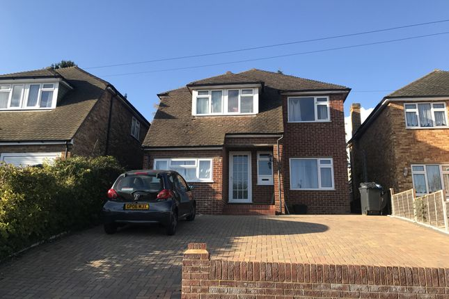 6 bed property to rent in Spring Rise, Egham, Surrey