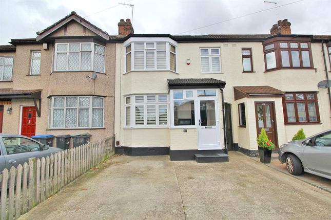 Thumbnail Link-detached house for sale in Carnarvon Avenue, Enfield