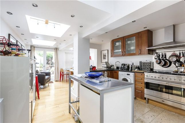 3 bed terraced house to rent in Kenway Road, South Kensington SW5