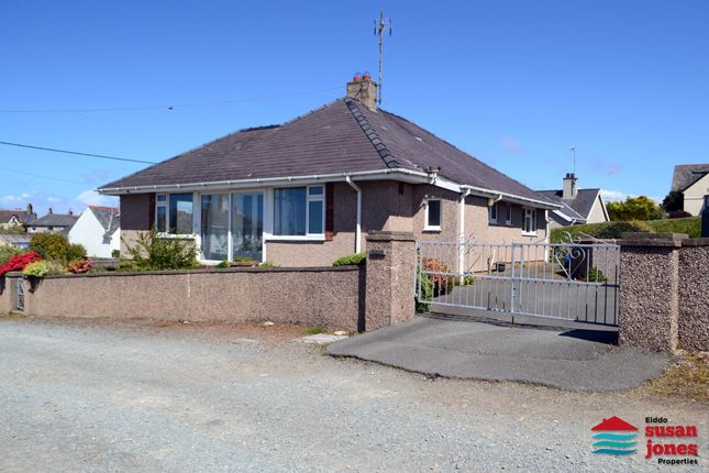 Thumbnail Detached bungalow for sale in Lon Y Llwyn, Morfa Nefyn, Pwllheli