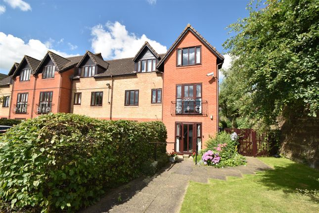 Thumbnail Flat for sale in Kingfisher Court, Woodfield Road, Droitwich