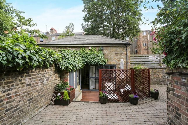Thumbnail Detached house for sale in Mercers Road, London