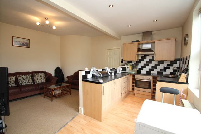 Thumbnail Flat for sale in Mill Hill Road, Pontefract