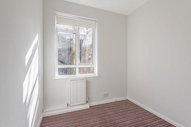 Bedroom of Sheen Park, Richmond TW9