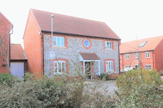 Thumbnail Detached house for sale in Wellesbourne Crescent, High Wycombe