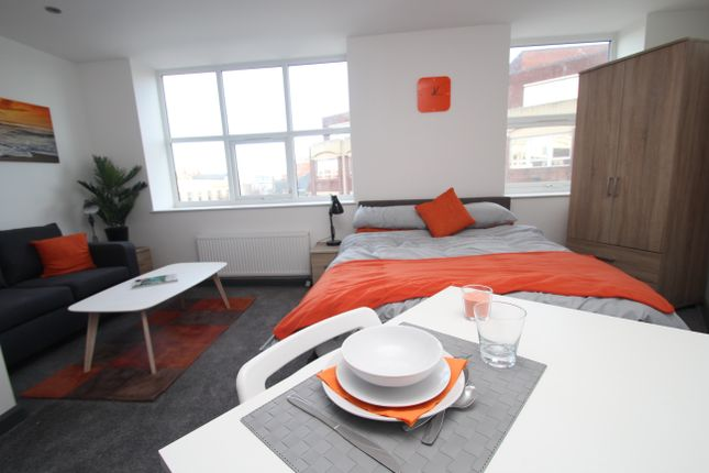 Thumbnail Flat to rent in Jameson Street, Hull