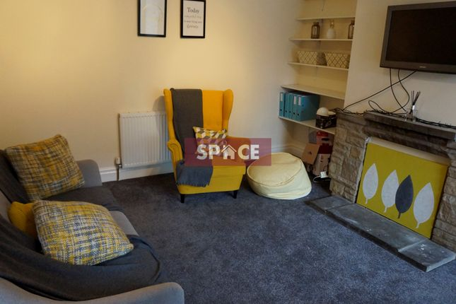 Thumbnail End terrace house to rent in Hessle Road, Leeds