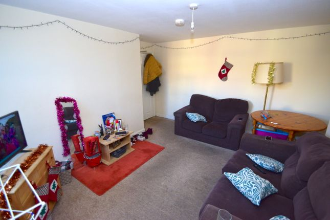 Thumbnail Maisonette to rent in South View West, Heaton