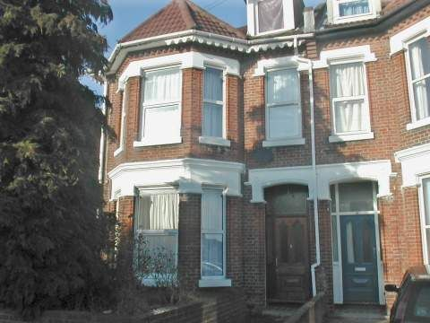 Thumbnail Town house to rent in Alma Road, Southampton