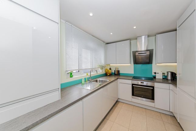 3 bed terraced house for sale in Ashacre Lane, Worthing
