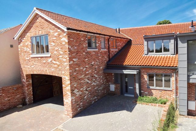 Thumbnail Town house for sale in New Street, Woodbridge