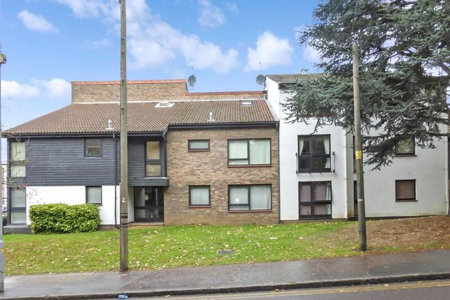 1 bed flat for sale in Radford Way, Billericay, Essex