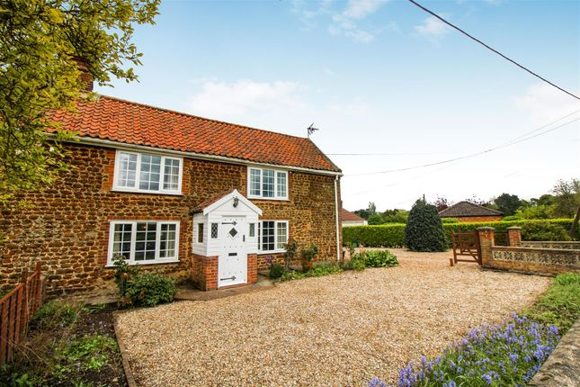 2 bed cottage for sale in Lynn Road, Middleton, King's Lynn PE32