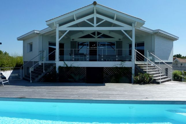 4 bed property for sale in Gujan Mestras, Gironde, France