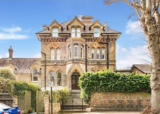 Thumbnail Flat for sale in Lyndhurst Terrace, Hampstead, London