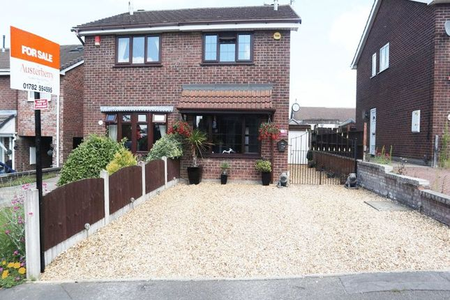 Front of Imogen Close, Fenpark, Stoke-On-Trent, Staffordshire ST43Qy ST4