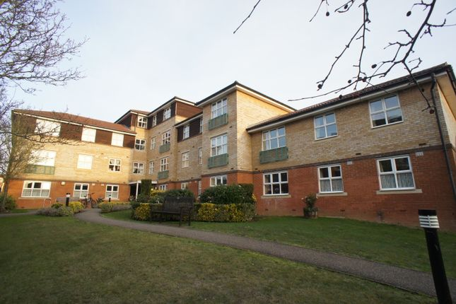 Thumbnail Flat for sale in Station Close, Potters Bar