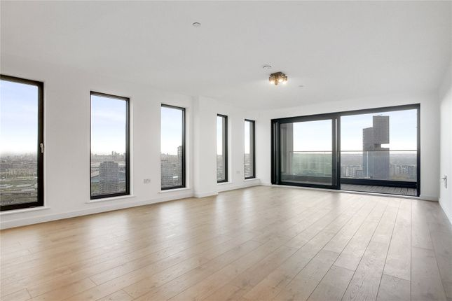 Thumbnail Flat for sale in Stratford Central, London