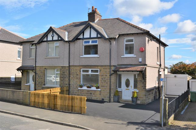 3 bed semi-detached house to rent in Alexandra Road, Lindley, Huddersfield HD3