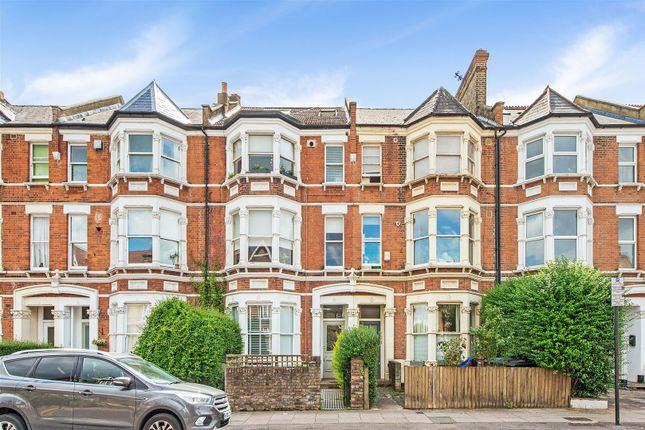 Flat for sale in Stapleton Hall Road, London
