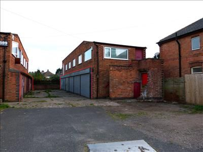 Thumbnail Commercial property to let in Double Garage, - 689 Melton Road, Thurmaston, Leicester